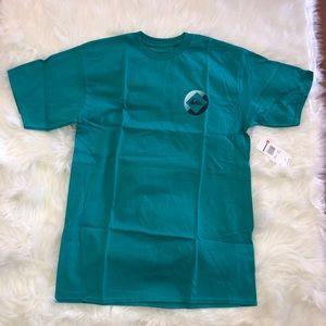 Quiksilver Crew Neck Turquoise Graphic Tee Shirt